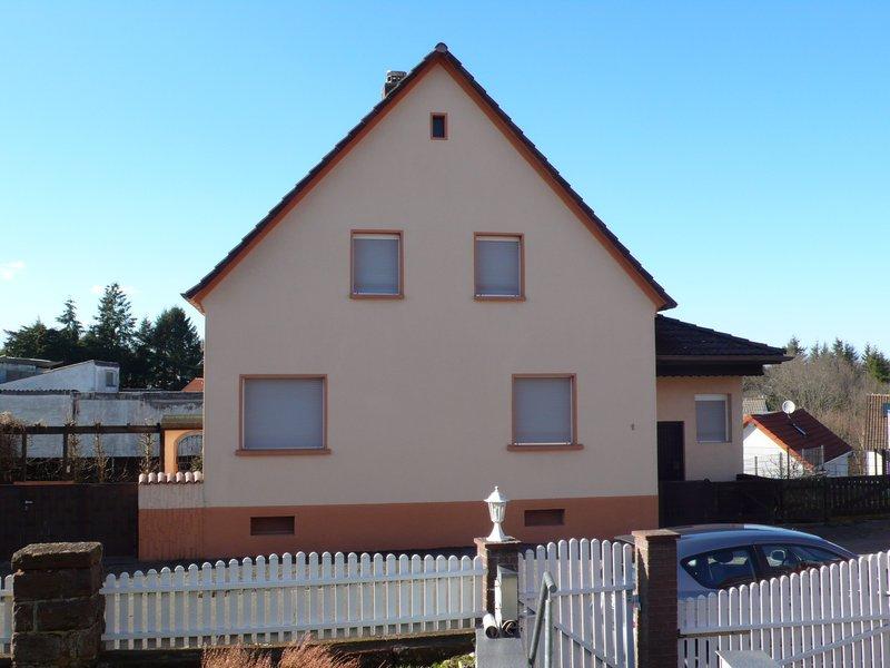 Gepflegtes freistehendes 1 Familienhaus mit Doppelgarage